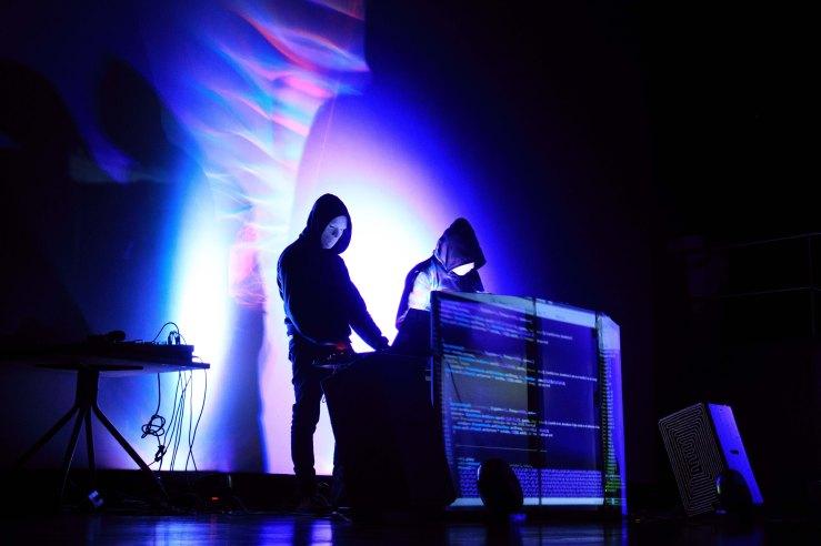 Sonatina para ordenadores interpretada por Dead Bird(Medellín)